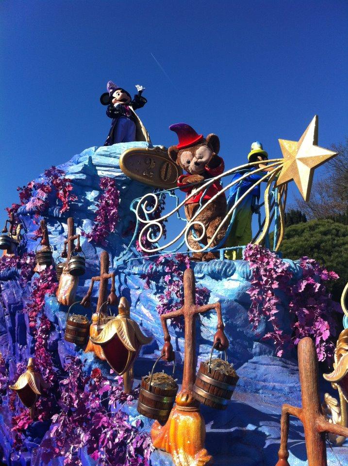 Le 20ème anniversaire de Disneyland paris  - Page 39 53566510