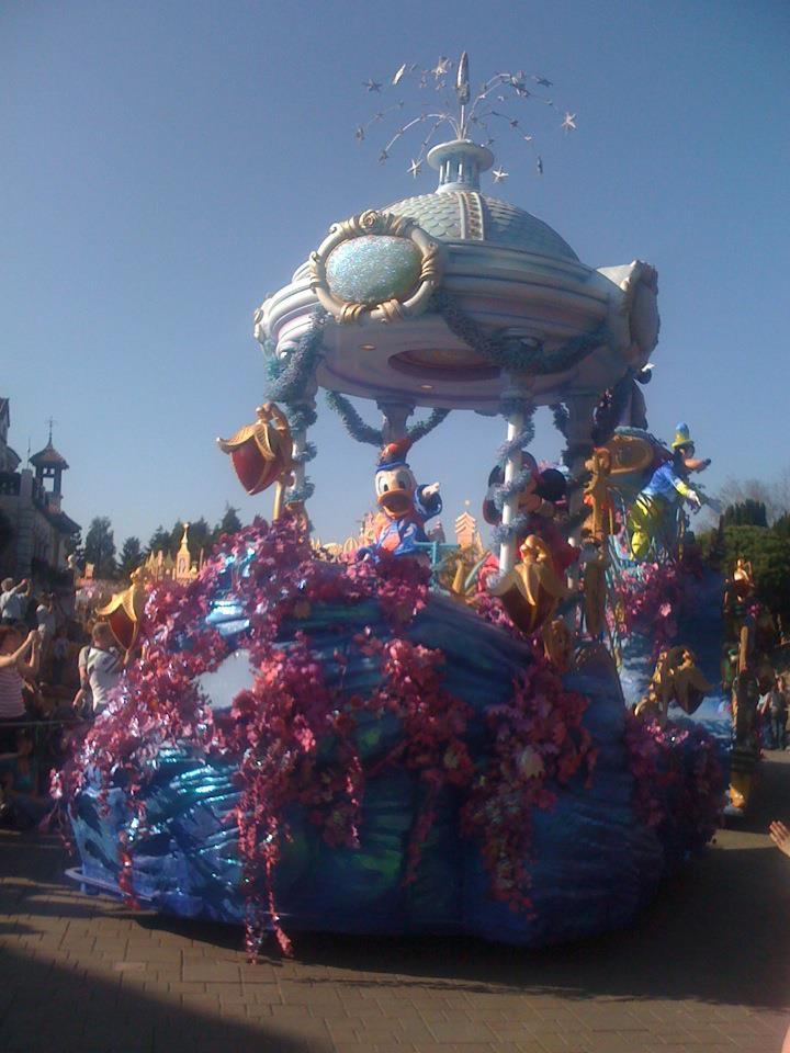 Le 20ème anniversaire de Disneyland paris  - Page 39 53625611