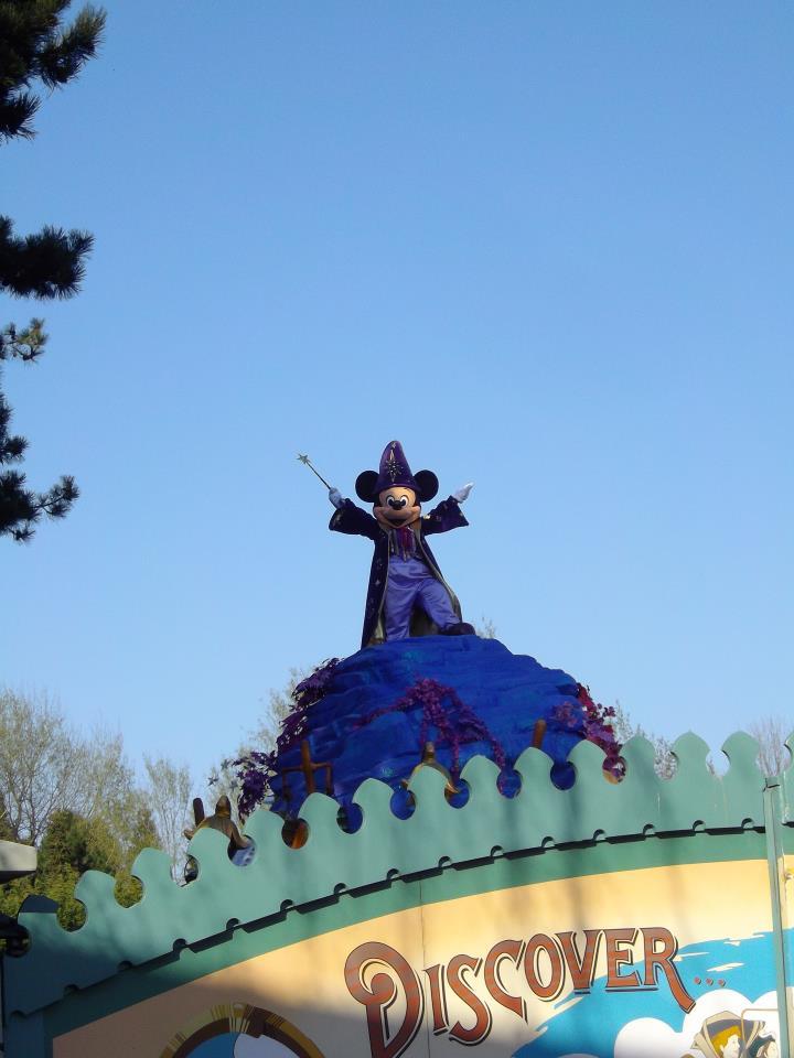 Le 20ème anniversaire de Disneyland paris  - Page 39 54332410