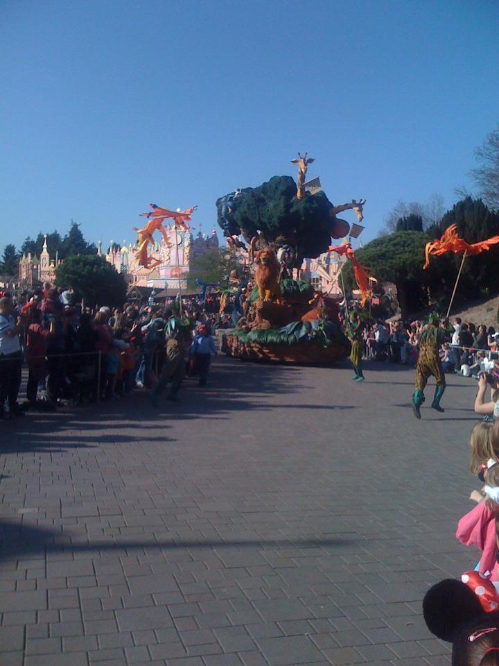 Le 20ème anniversaire de Disneyland paris  - Page 39 55613010