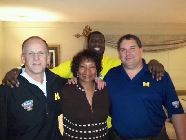 AJ Williams in-home with Hoke (photo) Akfojr19