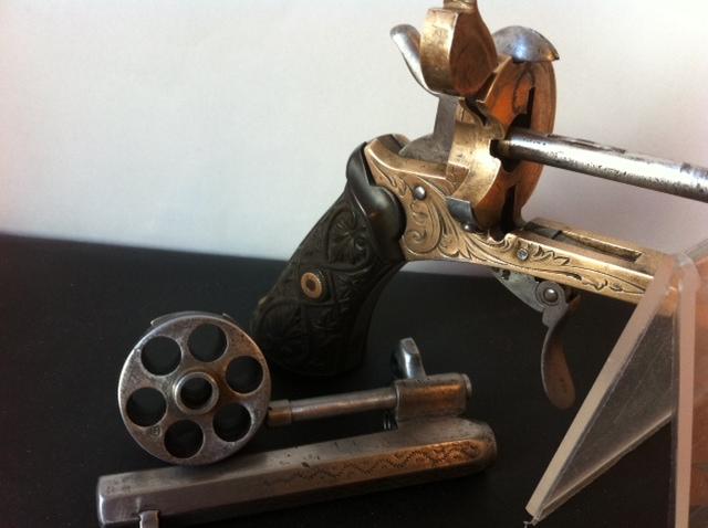 Restauration d'un petit revolver type Lefaucheux 1210