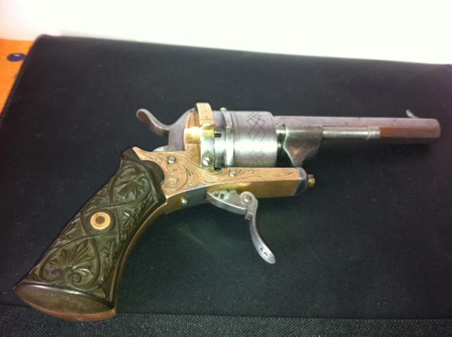 Restauration d'un petit revolver type Lefaucheux 1810