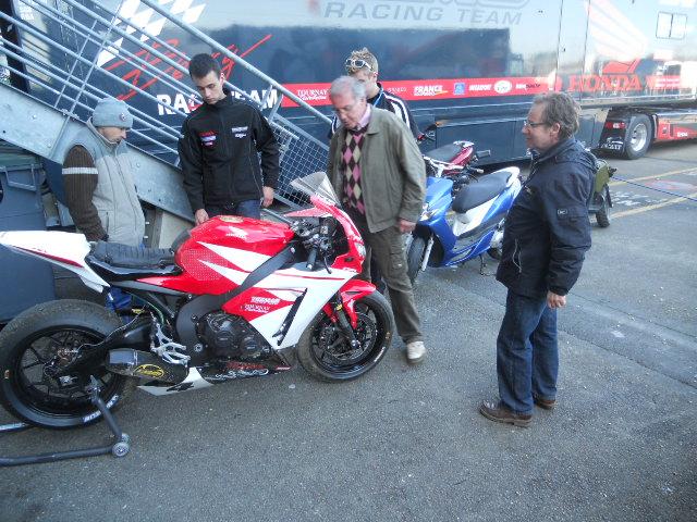[FSBK] Le Mans, 1er avril 2012 - Page 7 Dscn2331