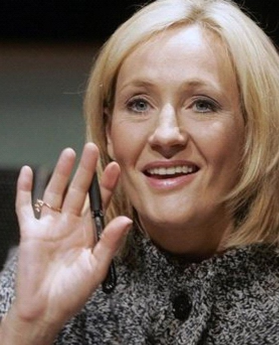 J.K. Rowling: the hands & handprints of the UK author! (Harry Potter) H-jkr212