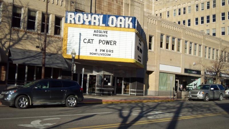 10/27/12 - Detroit, MI, Royal Oak Music Theater 100_0724