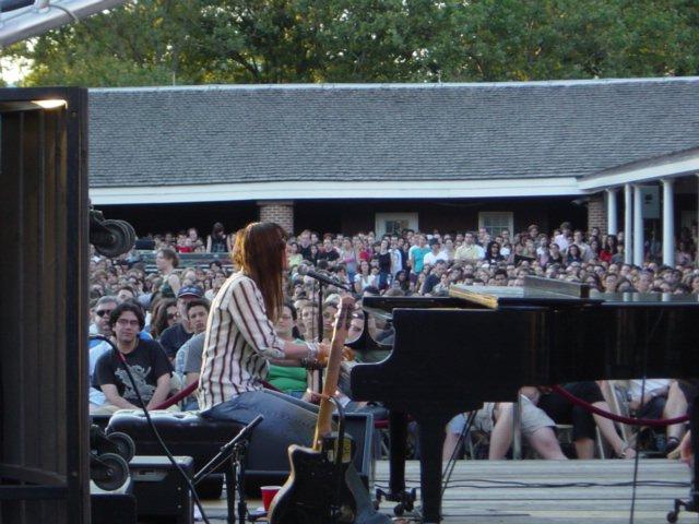 7/17/03 - NYC, Battery Park, Castle Clinton 7-17-014