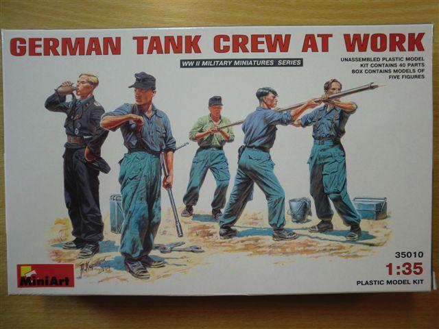 German Tank Crew at Work Cimg3180