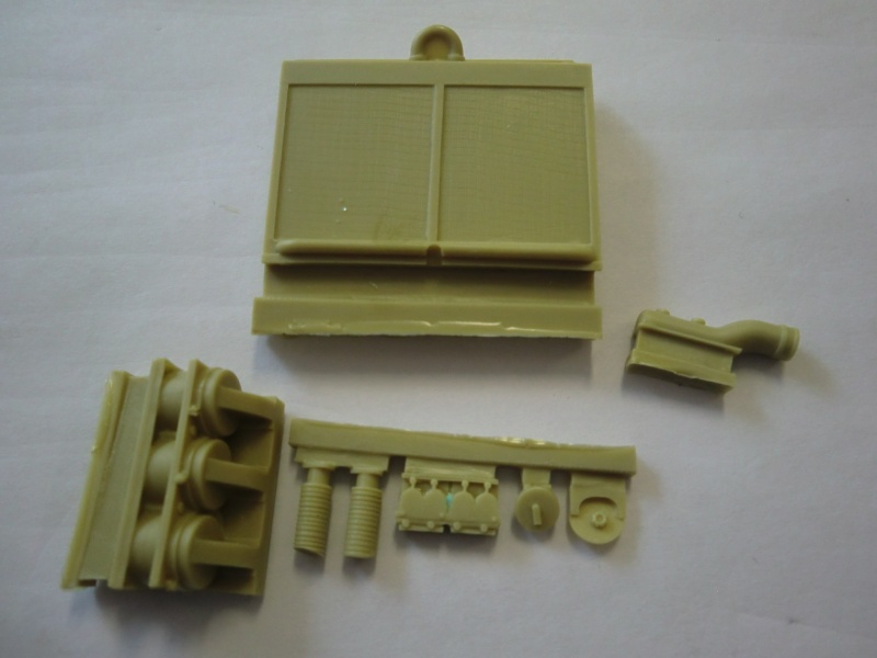 Panzer IV Engine & Compartment Set Cimg3842