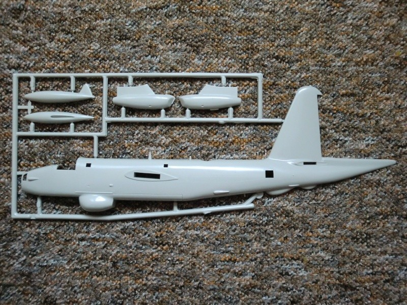 Lockheed P2 V-7 Neptune in 1.72 Cimg4067
