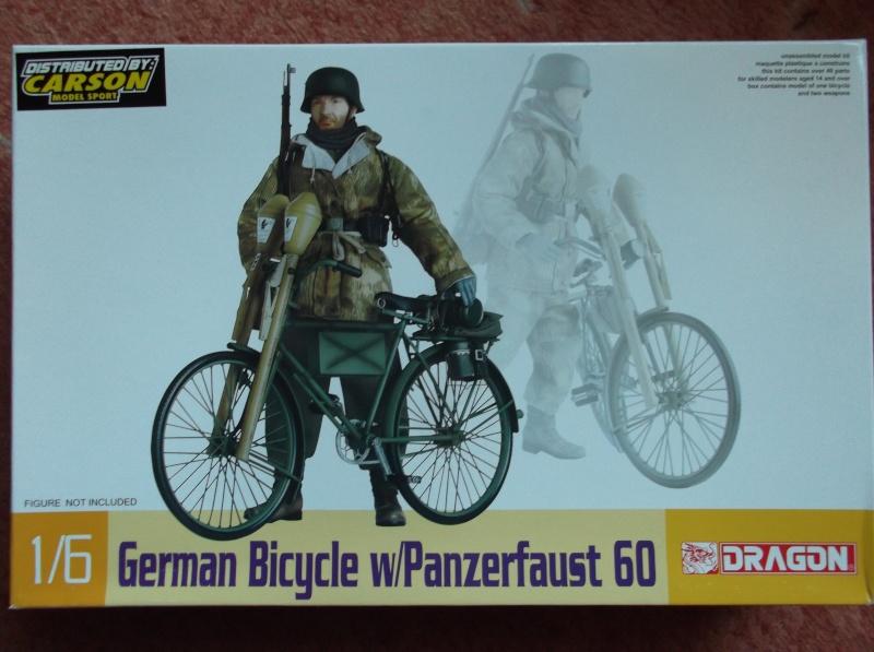 German Bicycle w/ Panzerfaust 60 1:6 von Dragon Dscf0940