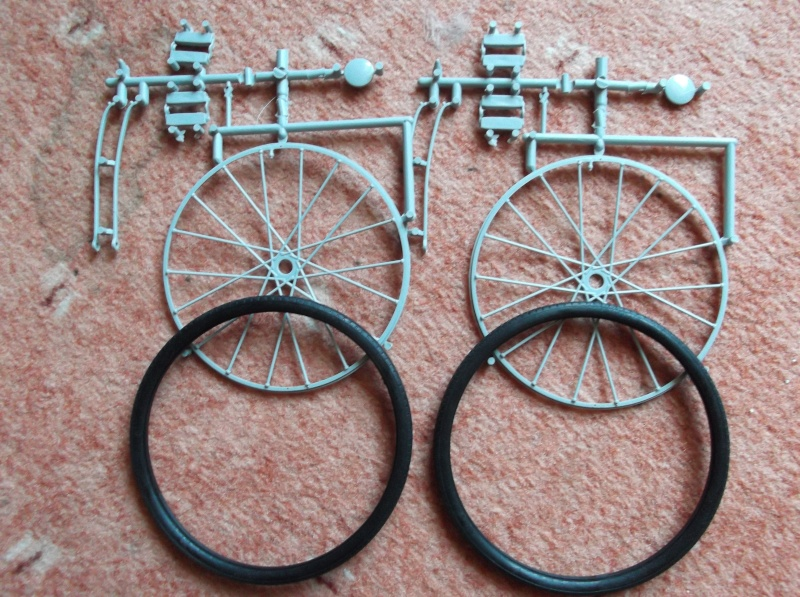German Bicycle w/ Panzerfaust 60 1:6 von Dragon Dscf0944