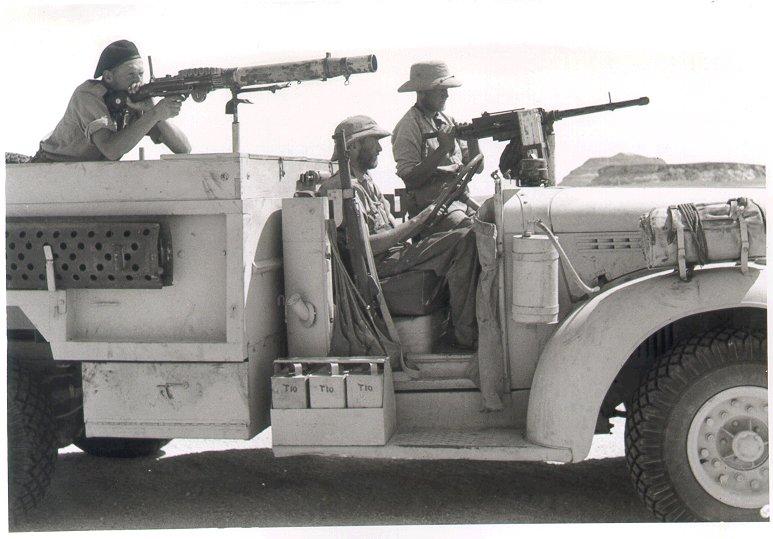 Long Range Desert Group/30cwt CHEVROLET Truck 1/35 T_patr10