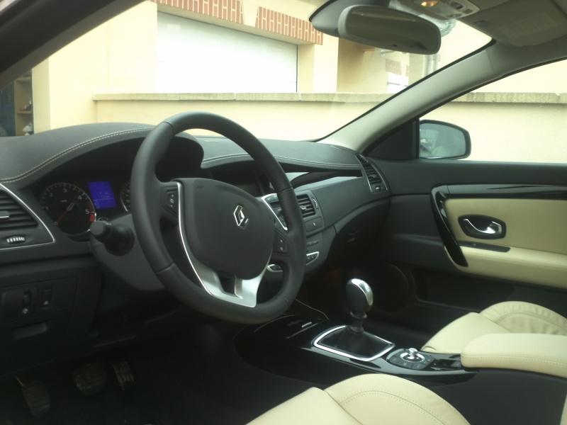 [Vendue] Laguna coupé 2012 DCI 150 initiale 4 control 4000km 22 400€ Img09512