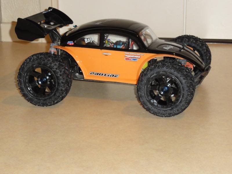 pas un short course, mais le chassis est le même que l'un d'eux... - Page 2 Dsc00717