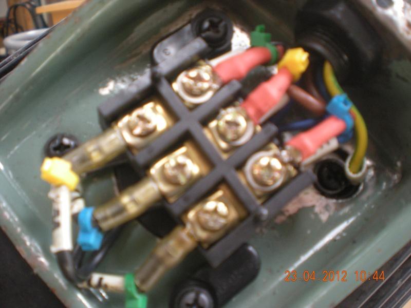 Acquisition et branchement d'une scie à ruban pour métaux Dscn2829