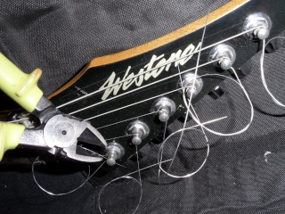 guitar - Help to find out the model of this Westone guitar Sam_7111