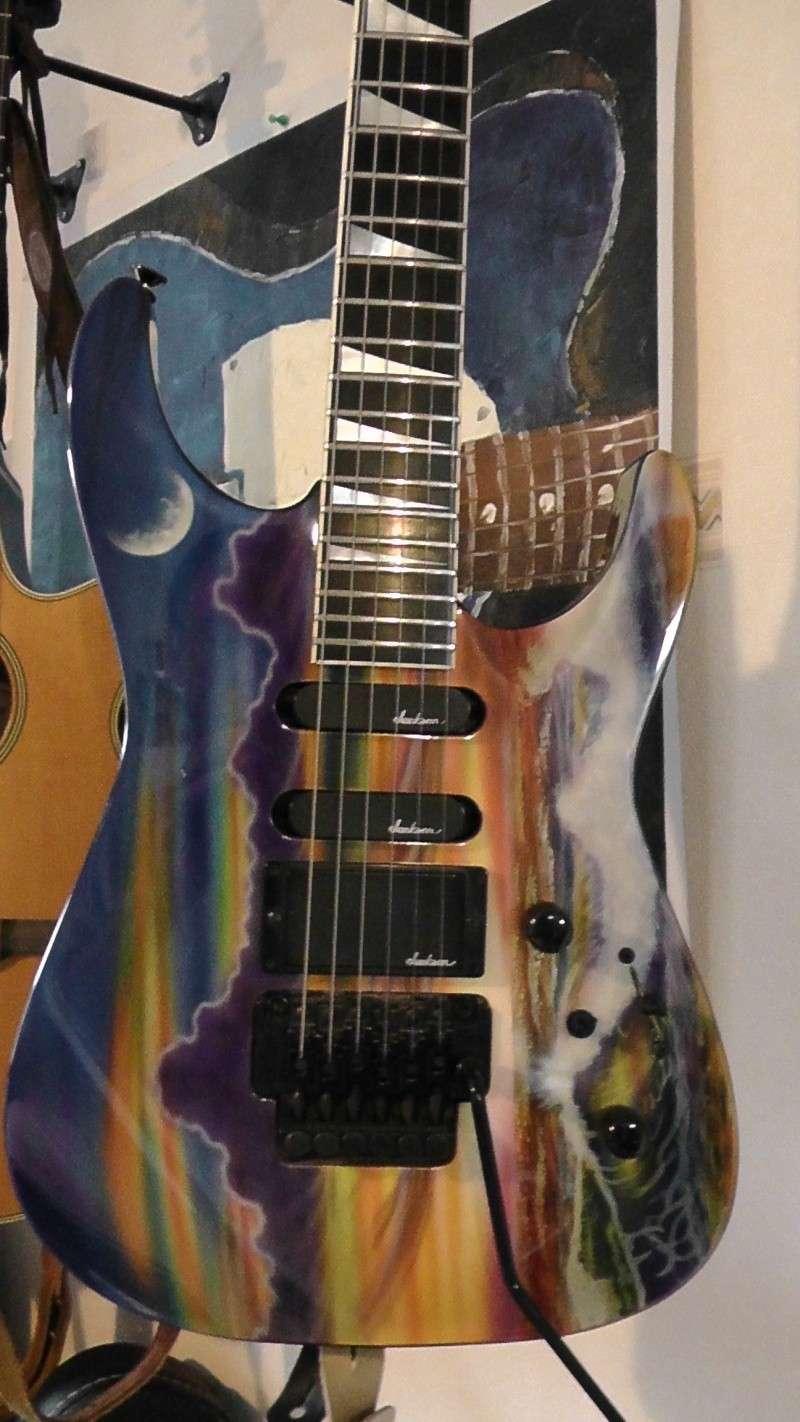 Bonjour à vous et à vos guitares, - Page 2 Jackso12
