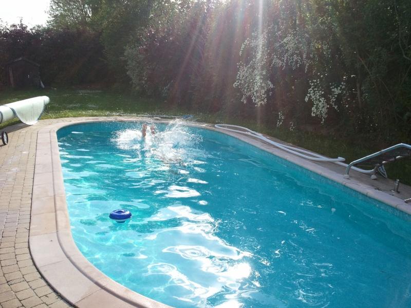 Premier bain de l'année pour moi :-D Img_2028