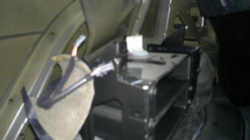 [BMW 320 i E46] Option chargeur CD 2012-019