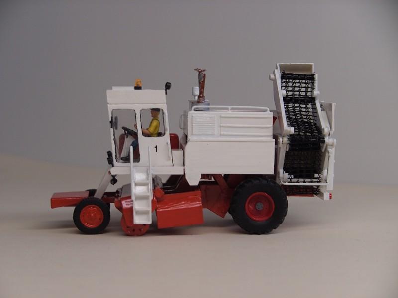 Meine Um-und Neubauten von Landmaschinen KS6 074911