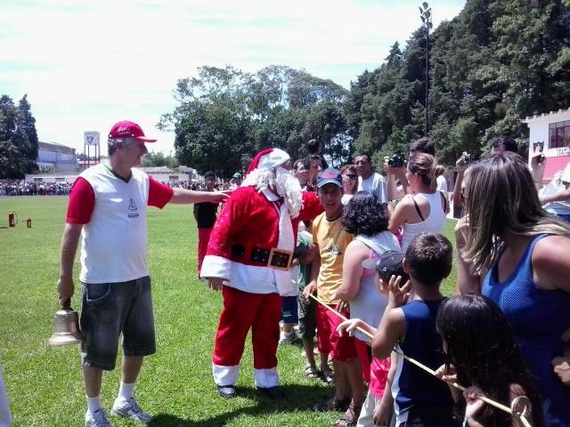 Caita na chegada do Papai Noel no IEC. 2/12/12 2012-139