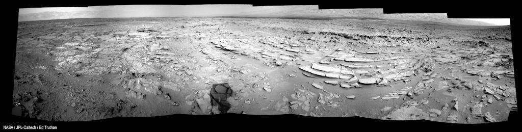 [Curiosity/MSL] L'exploration du Cratère Gale (1/3) - Page 37 Sol12010