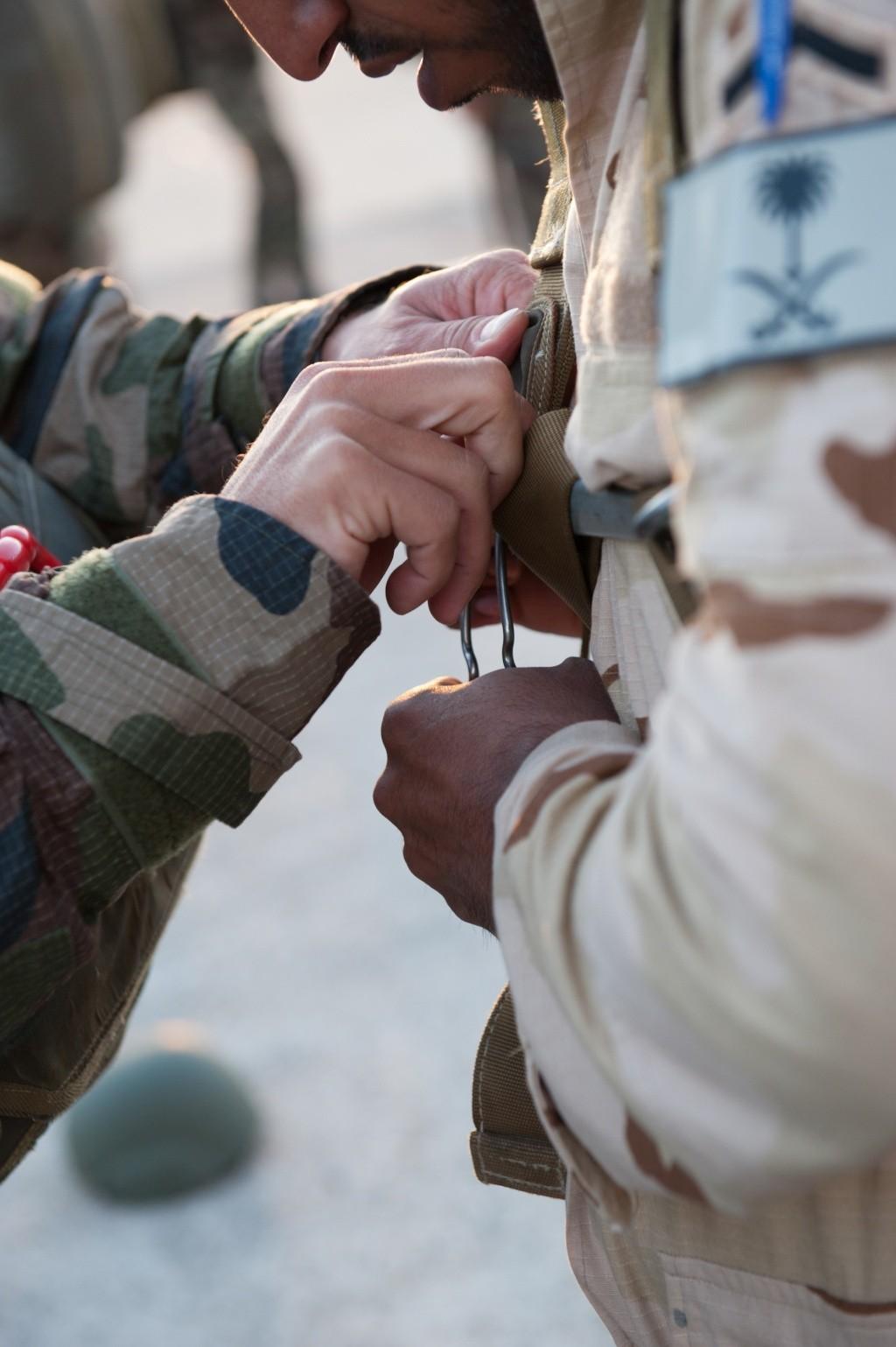 الموسوعه الفوغترافيه لصور القوات البريه الملكيه السعوديه (rslf) 2012em10