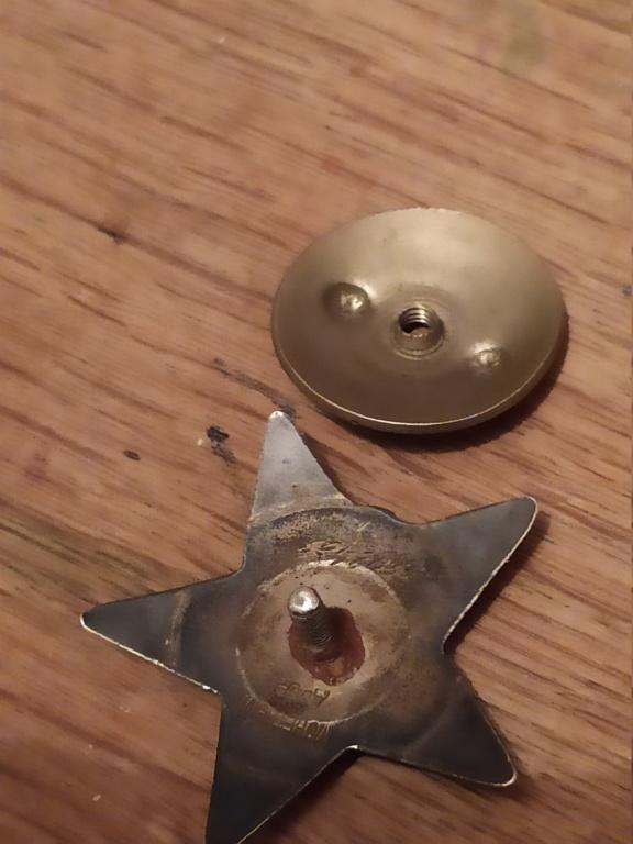 Identification - Broche et ... médaille? 15953510
