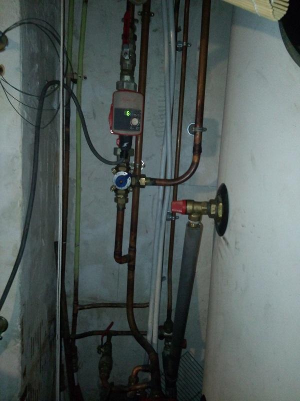 Y a t'il un plombier chauffagiste dans la salle Img_2038
