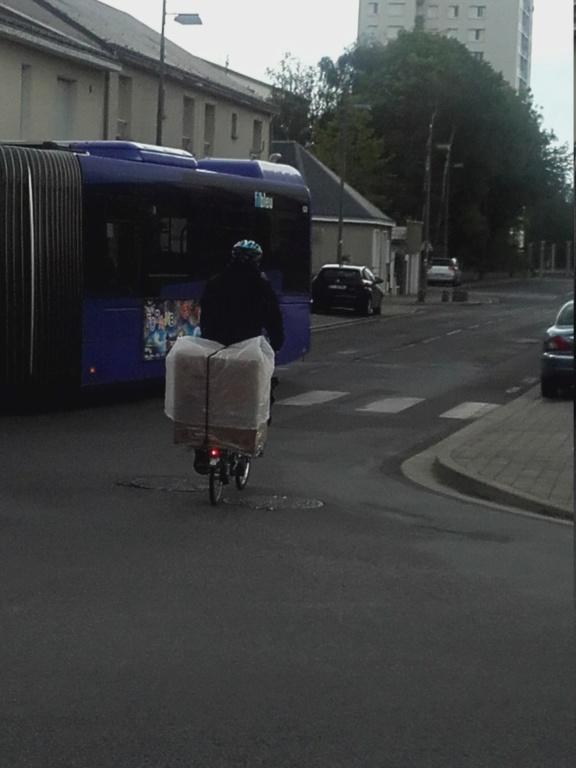Transport d'object volumineux en vélo 20190510