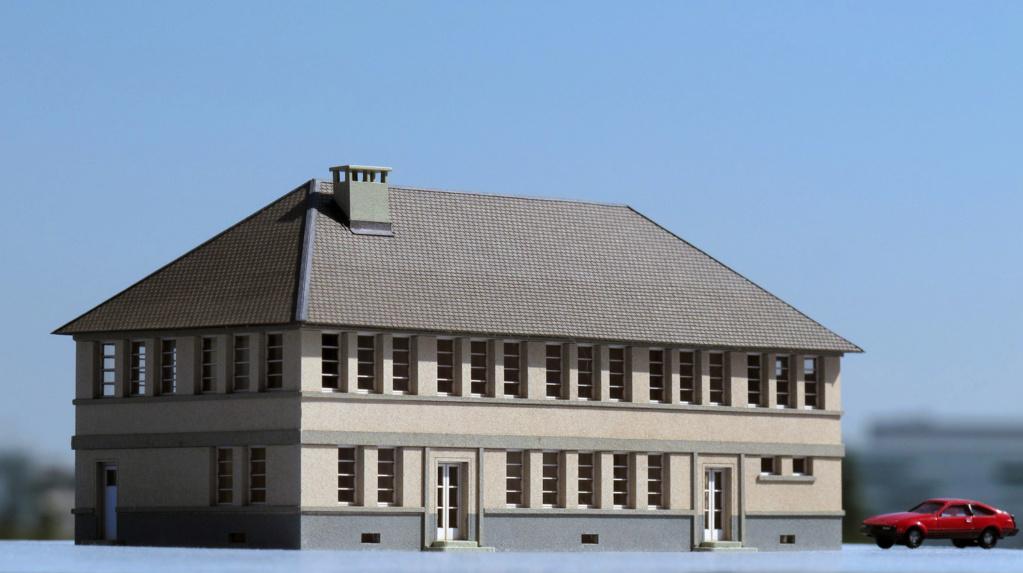 [Cités Miniatures] Grand bâtiment administratif R+1 - Echelle N Bf-01210