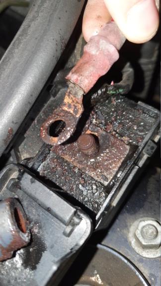 [ BMW E46 328i an 2000 ] Problème de charge batterie (Résolu) 20210110