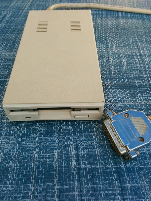[VDS] Amstrad 6128 Gotek + Ecran, Lecteur de disquette externe Amiga Img-0029