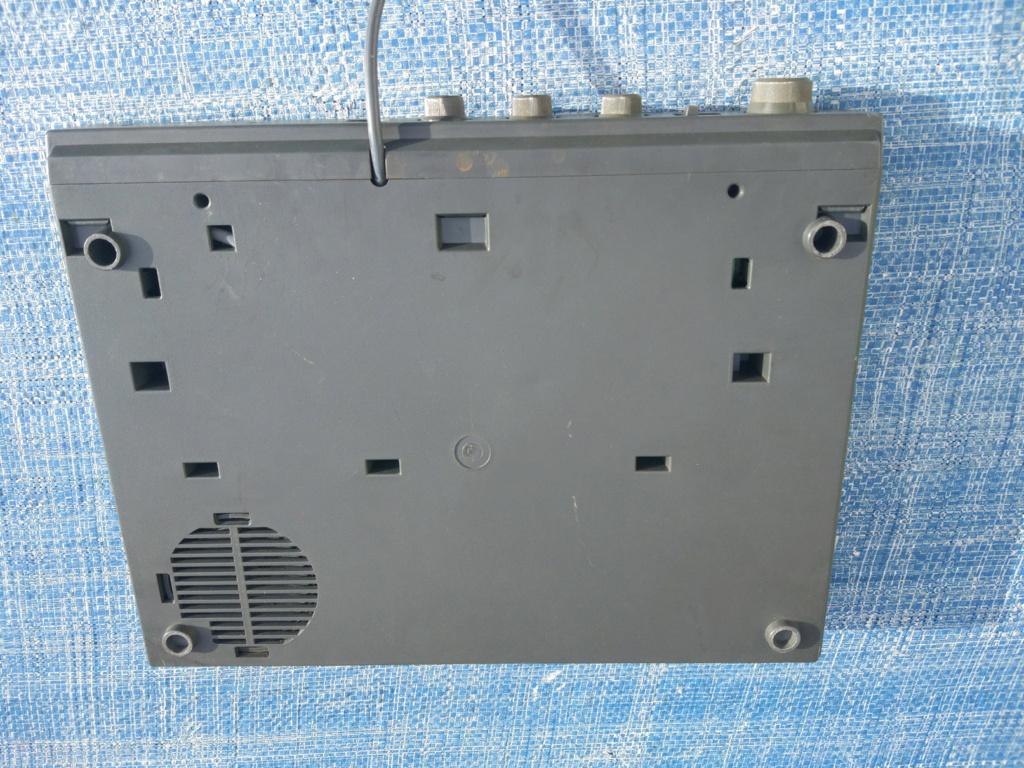 [VDS] Moniteur Amstrad CTM 644, Tuner MP-3 Img-0035