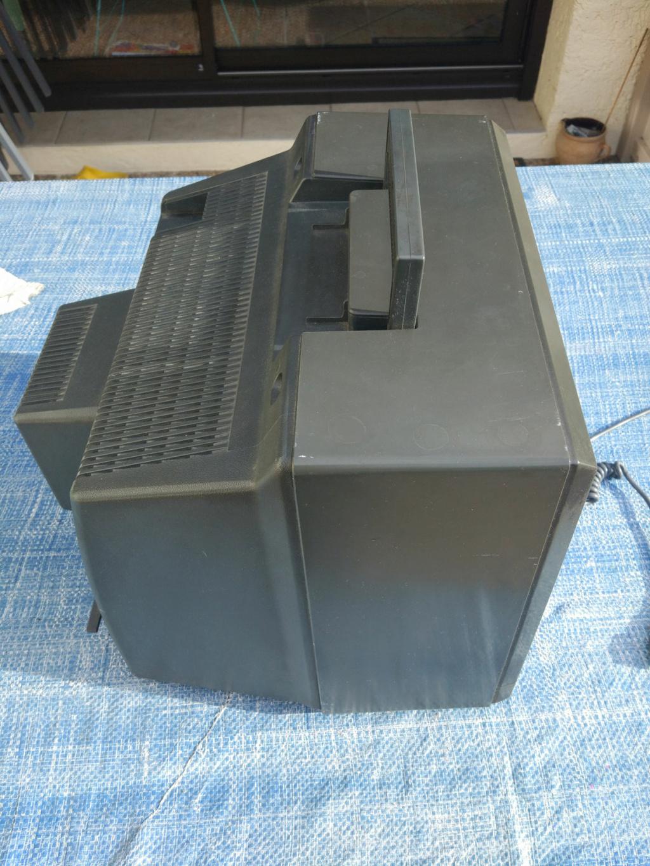 [VDS] Moniteur Amstrad CTM 644, Tuner MP-3 Img-0040