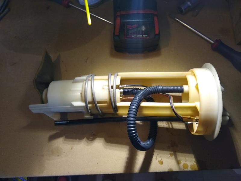 Symptômes d'une pompe à essence HS 02510