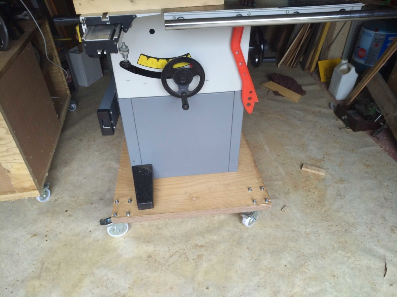 Scie a format LEMAN SST 256 / Fabrication presseur / et Guide d'angle Img_2148