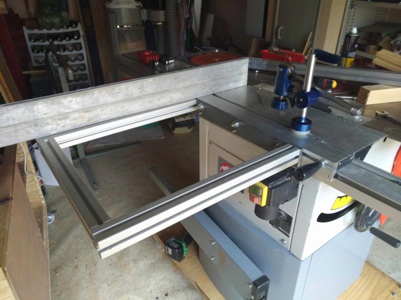 Scie a format LEMAN SST 256 / Fabrication presseur / et Guide d'angle Img_2165