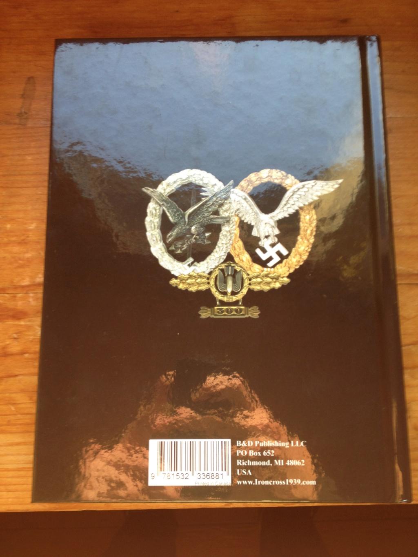 Un nouveau livre pour les badges allemands  Img_2819