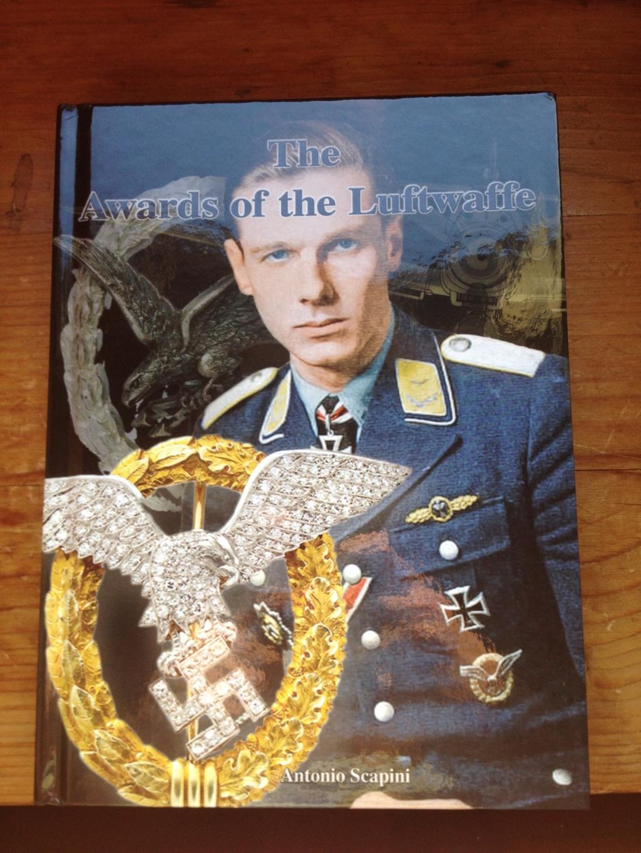 Un nouveau livre pour les badges allemands  Img_2820