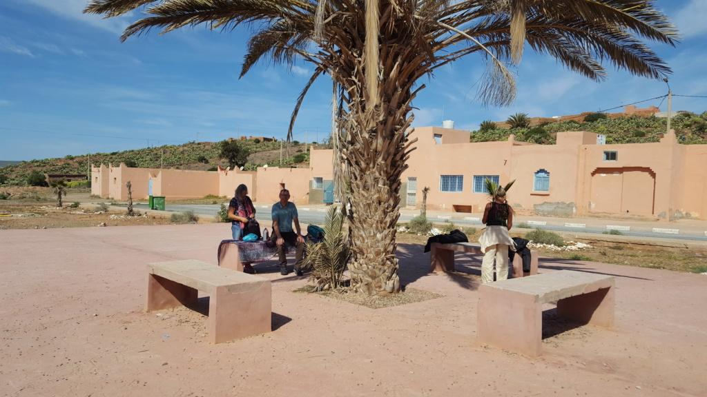 [Maroc/Histoire, Accueil...] HIstoire du téléphérique abandonne de Sidi Ifni 48a1e210
