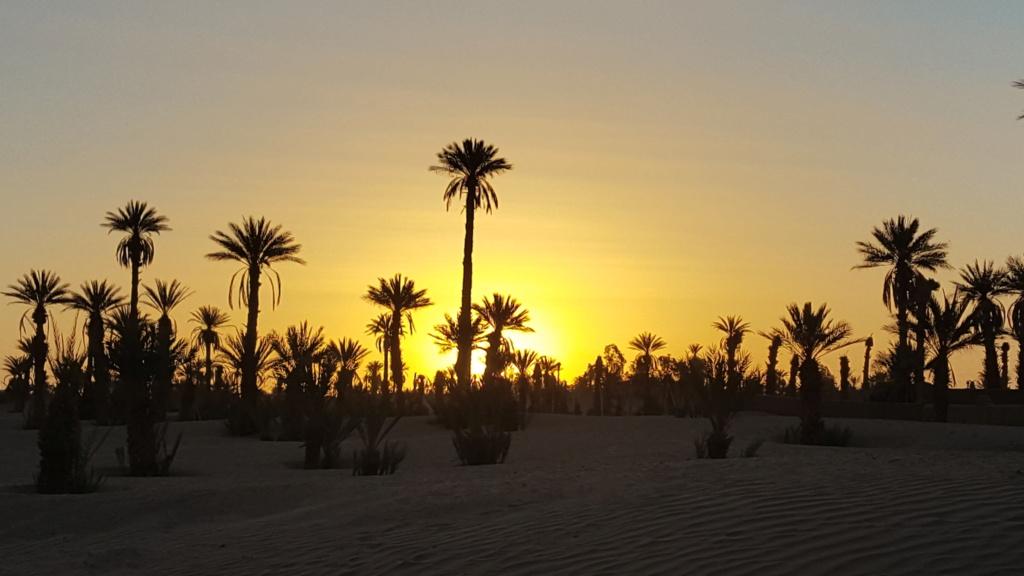 [nos beaux pays : la France, le Maroc et .....  le Monde] Couchers de soleil 4b215110