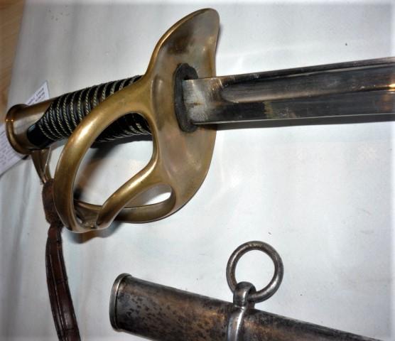 est ce un sabre de cavalerie Mle 1822/1888 de DRAGONS P1100438