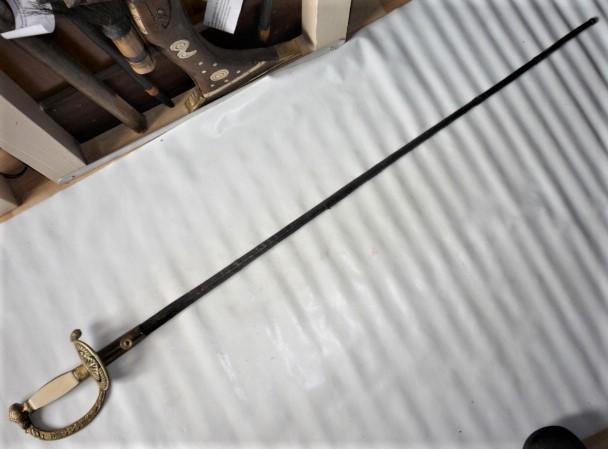 épée de membre des INSTITUTS P1100632
