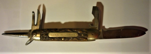 identification canif  genie militaire P1110234