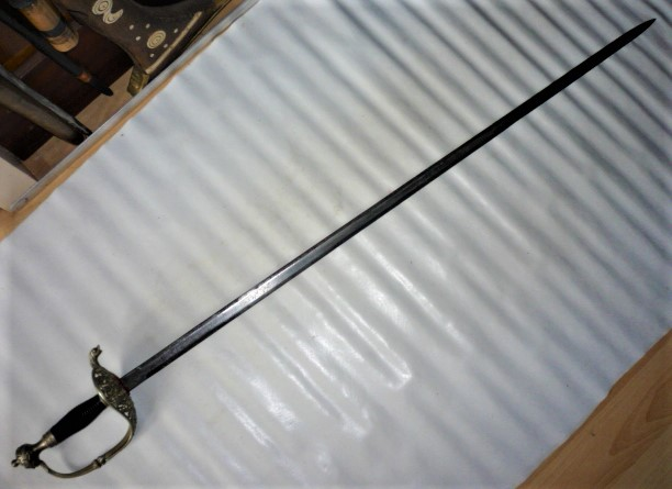 épée espagnole?? P1110540