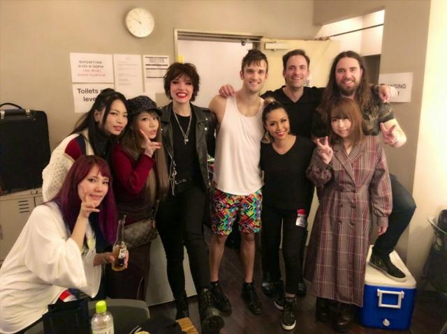 Música de Japón  - Página 5 Lovebi10