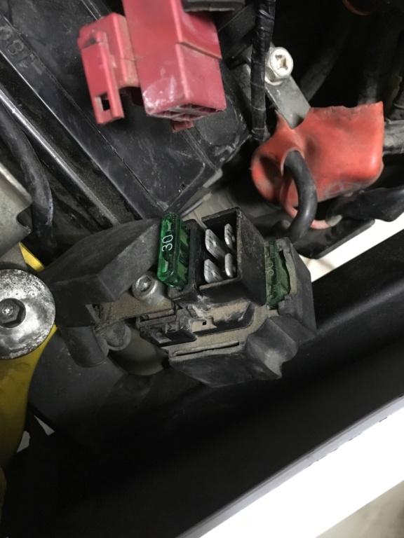 Bornes da bateria trocados Dcf7e110