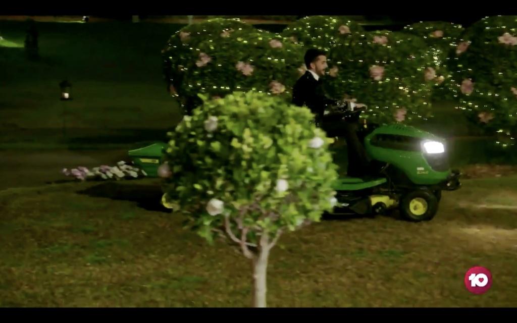 Bachelorette Australia - Season 7 - Brooke Blurton - Darvid Garayeli - Abseiling Date - *Sleuthing Spoilers* La54x210